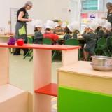 Sala jardim de infância - momento de culinária