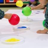 Sala 1 ano - pintura com balões